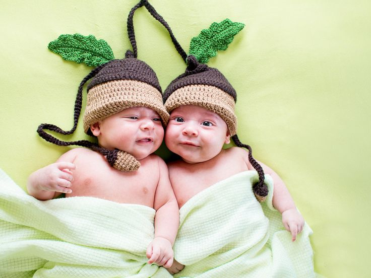 Cute Twins | Babies > Cute twins baby Wallpaper
