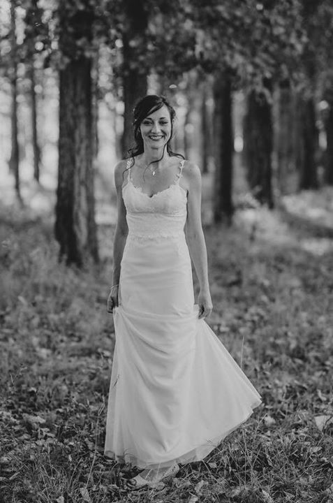 Lezaan's skirt was constructed out of soft crepe and a tulle layer was added to soften her bridal look.