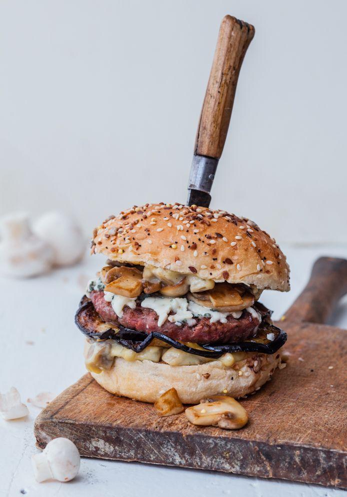 Tout Haché : Boulettes - Tartares - Burgers de  Café Moderne, photos Virginie Garnier, édition Hachette cuisine. #cookbook #french #burger
