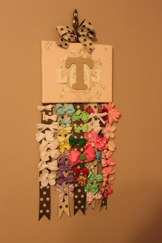 Another easy-to-make bow hanger. Not sure if I like the hanging bows like this or in a frame better.