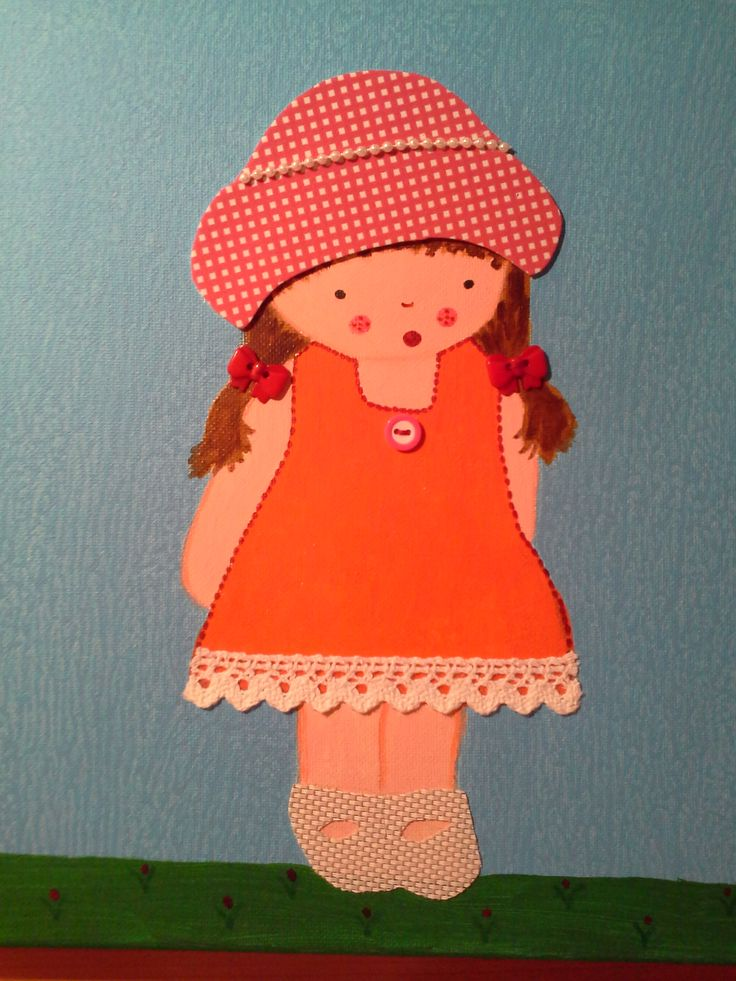Niña vestida de rosa con perlas