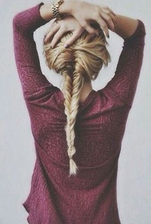 barefoot-in-the-country:  Fishtail Braid via Pinterest