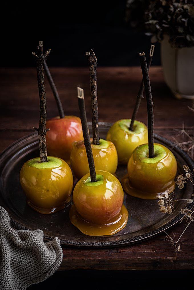 https://www.supergoldenbakes.com/2017/10/how-to-make-toffee-apples-recipe.html