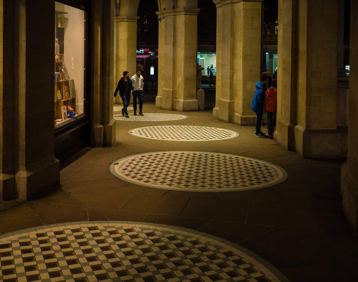 https://flic.kr/p/ACDT1y | in circles | under the arcades of the grand buildungs 1-5, the Strand, London