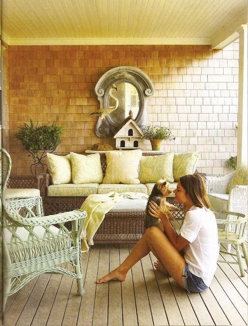 Durable & weather-resistant wicker furniture look stylish on a porch.: Wicker Colors, Outdoor Rooms, Colors Design, Wicker Furniture, Porches Furniture, Back Porches, Nantucket Style, Wicker Chairs, Front Porches