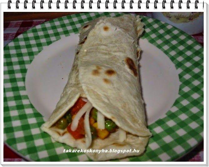 Takarékos konyha: Tortilla lapok vegyes zöldséggel és sajttal töltve/házilag