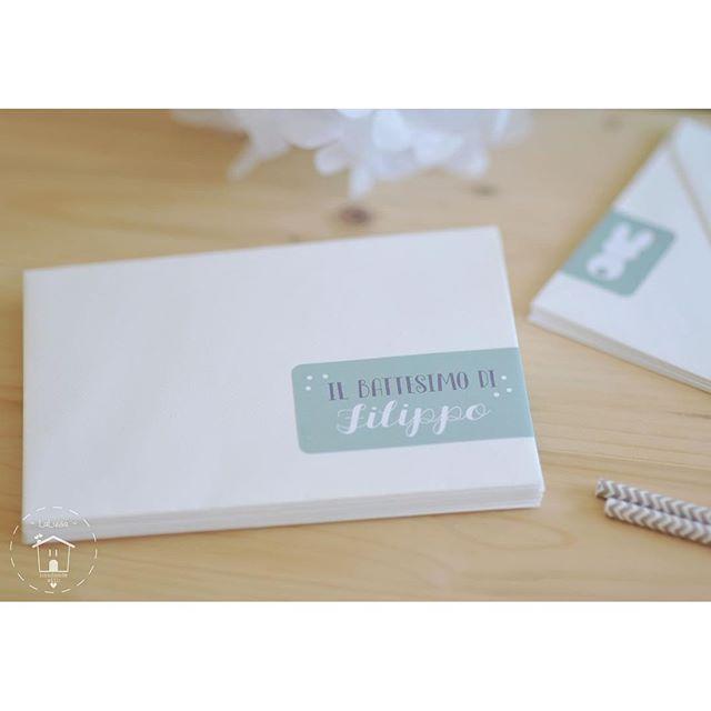 Bianco(niglio), grigio e verde menta: una palette perfetta per il battesimo di un piccolino 💚🐰💚#imieibattesimi #battesimo #laluisahandmade #laluisadesign #inviti #invito #stickers #tag #ilmiobattesimo #littleboy #mint #palette #graphicsdesign #grafica #instagraph #instagtaphic #invitation #stationery #handmade #instamamme #instakids #notonlymama #percorsicreativi #tuttodisegnatodame #thewomoms #womoms #christening #envelope #love