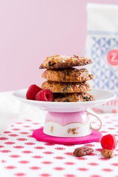 Haferflocken Cookies mit Himbeeren und Weißer Schokolade / Oatmeal Cookies with Raspberries and White Chocolate