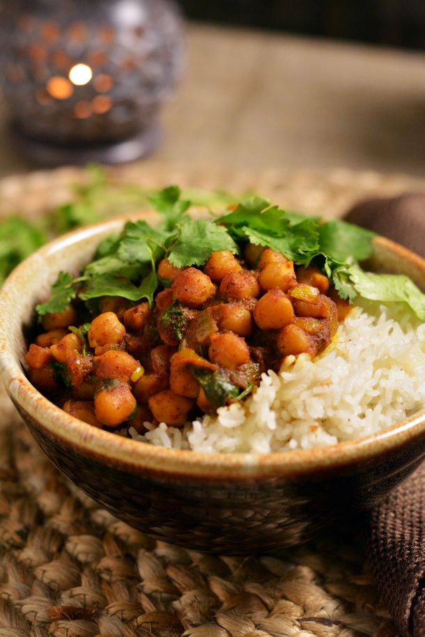 Spicy Chole (Chickpea) Curry | kneadforfood.com | #curry #Indian #recipe