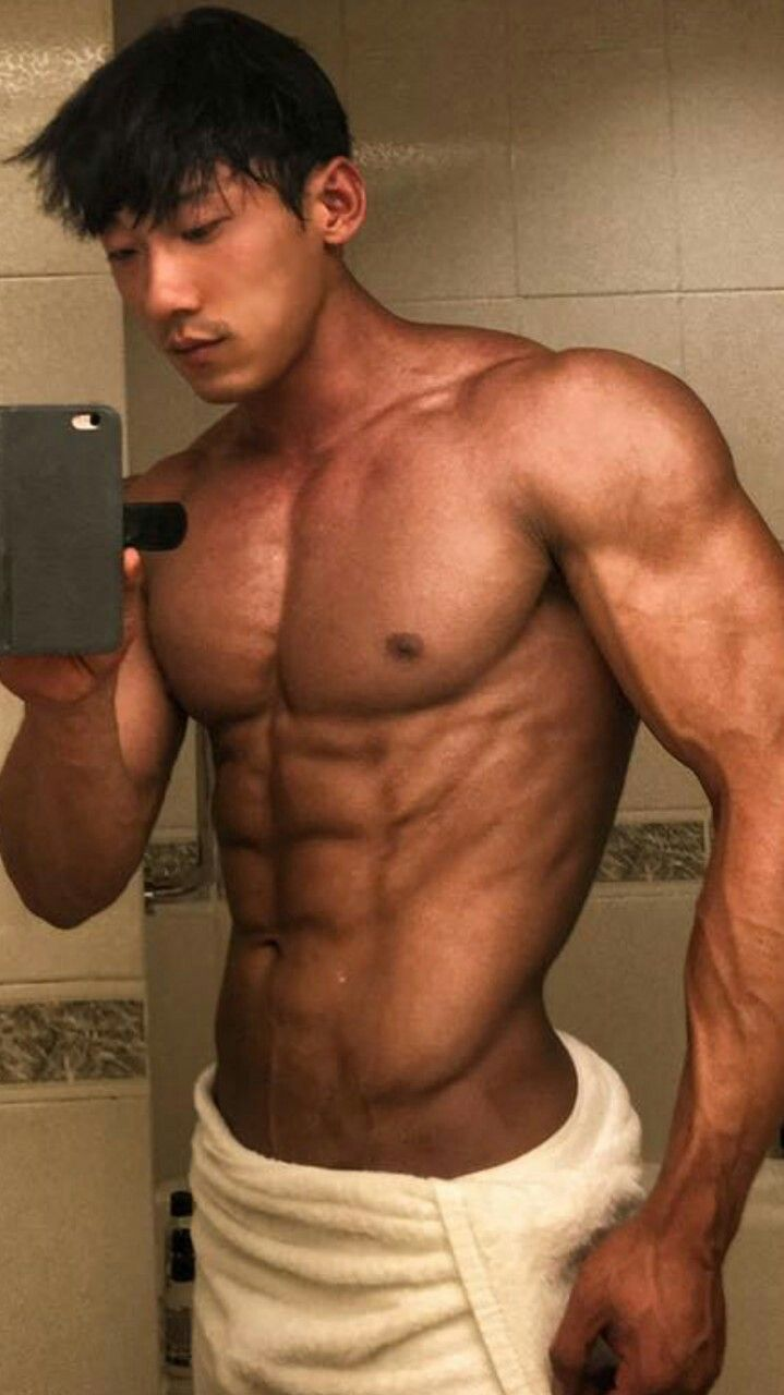 hot gay musclemen