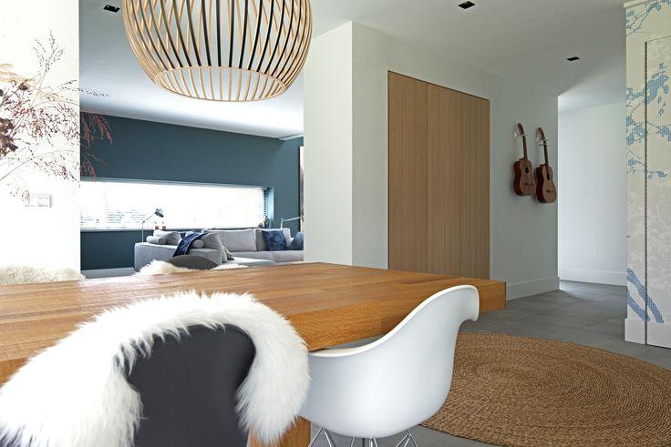 25 beste idee n over blauwe stoelen op pinterest blauwe fluwelen stoelen stoel ontwerp en - Leunstoel voor eetkamer ...