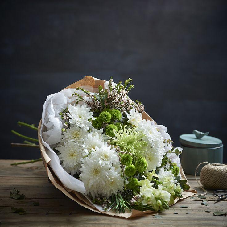 Natural Elegance Green & White Sheath of Flowers