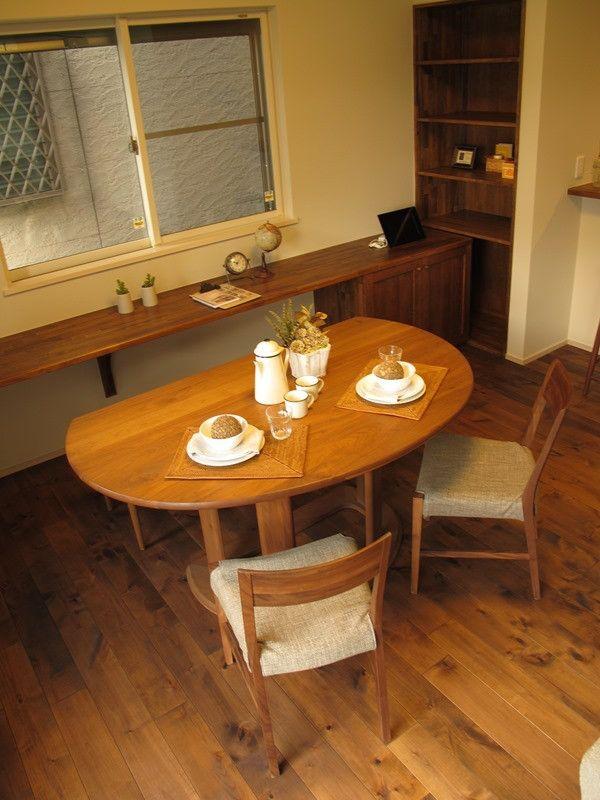 半楕円形のダイニングテーブルを有効活用できるレイアウトを提案したコーディネートネート実例をご紹介 の画像|家具なび ~きっと家具から始まる家づくり~