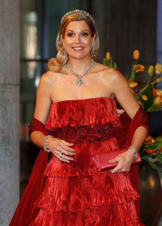 Princess Maxima of the Netherlands arrives at a dinner hosted by Queen Beatrix of The Netherlands ahead of her abdication.
