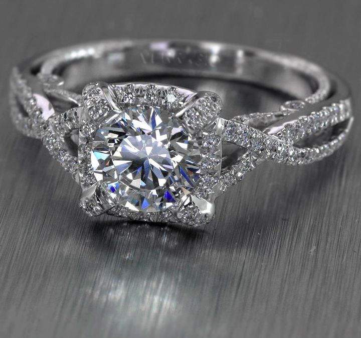 Engagement ring: Verragio
