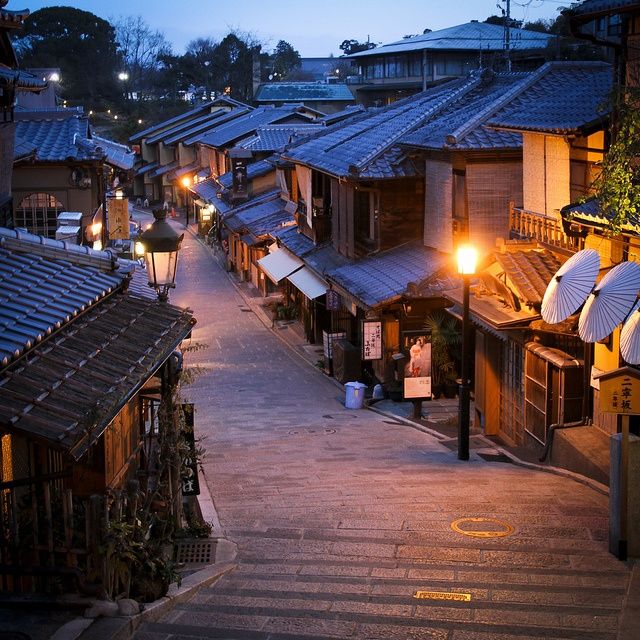 Ninen-zaka, Kyoto, Japan (looks like the ninja scene from The Wolverine): Ready for the day by Marquisde on Flickr