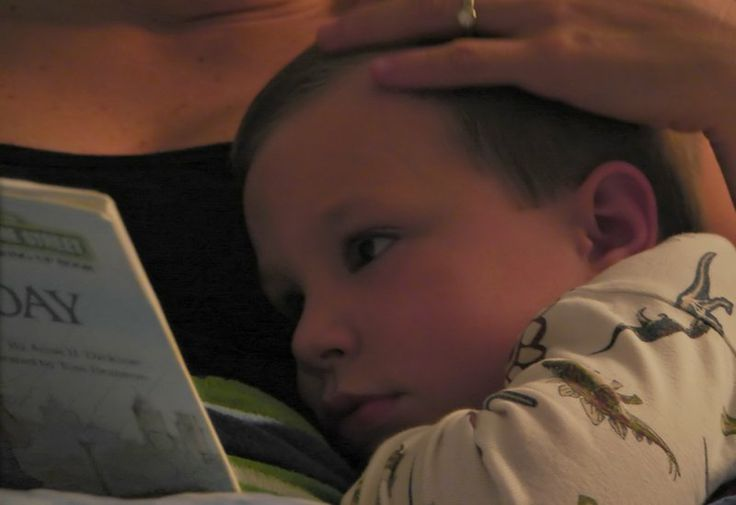 With an avalanche of so-called children's books to choose from, 3 guidelines can help parents decide which bedtime reading fare will best serve their child.