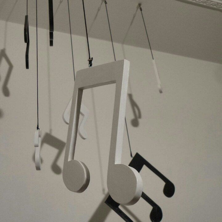 7 Black and White Musical Notes  Harmony and happiness given off by 7 musical notes,  painted on wood worked by hand to decorate your space with originality and color ...