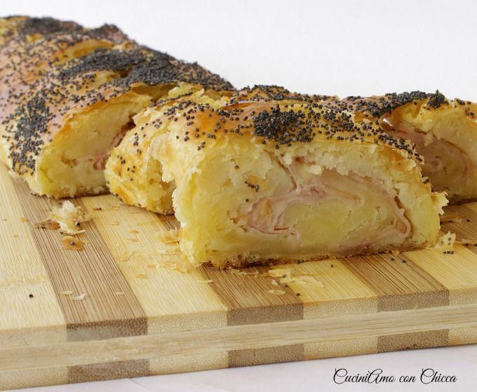 Strudel con patate e prosciutto