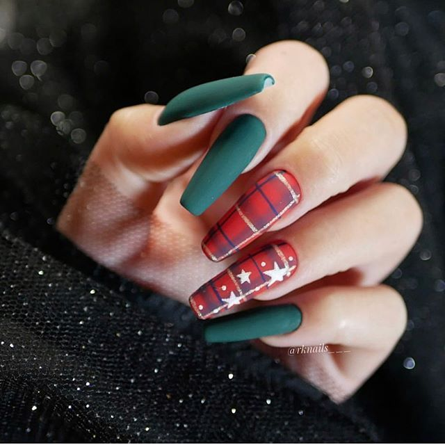 red green christmas nails, winter nail art , christmas nail