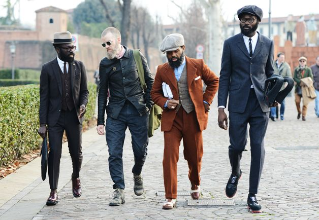 PITTY UOMO | JANUARY 2014 | The streets of Florence are full of blue, brown and pattern. | Accessories make all the difference. Here's the proof how to make a simple suit a lot more interesting.