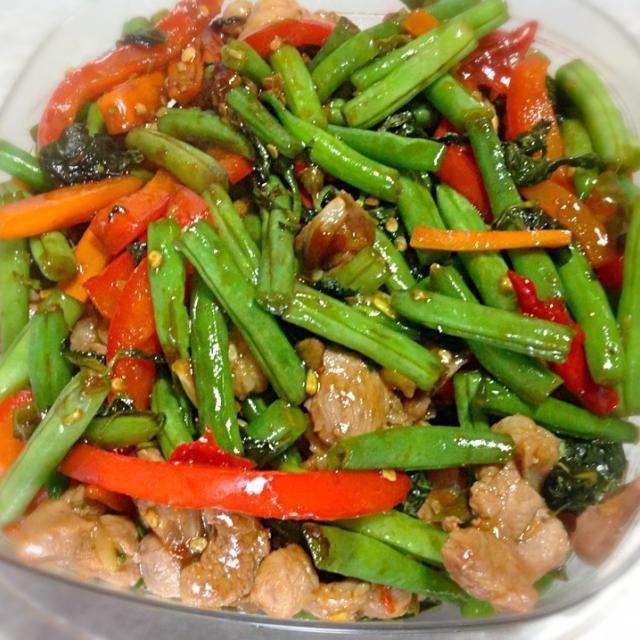 レシピとお料理がひらめくSnapDish - 24件のもぐもぐ - หมูผัดพริกถั่ว stir fried pork with string bean by kritt
