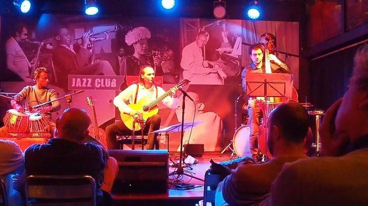 "Maurizio Colonna ""Movinemti Sincronici"", performed by Duo Barbari & Kamod Raj��❤️�� #musique #müzik #klasikgitar #klasikmüzik #classicalmusic #classicalguitar #gitar #sanat #jazzclubtorino #jazzclub #musicaclassica #instaart #instamusic #musicvideo #musician #guitarra #konser #concert #gig #artistic #mauriziocolonna #torino #stage #tabla #italy���� http://turkrazzi.com/ipost/1514749938621575318/?code=BUFeQsvFXCW"