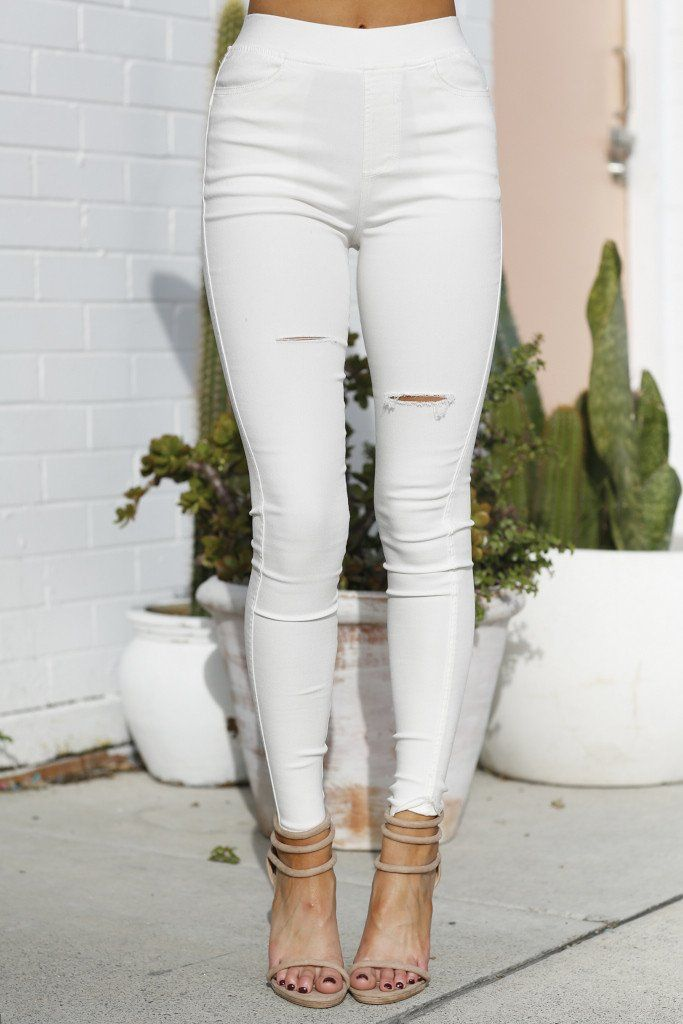 Mia - Walking Away Ripped Pants (White)