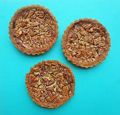 Maple Pecan Tarts | Cooking - Pies/tarts/crusts | Pinterest