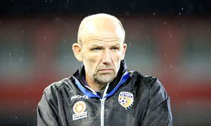 Perth Glory re-sign coach Kenny Lowe but miss out on Mark Schwarzer