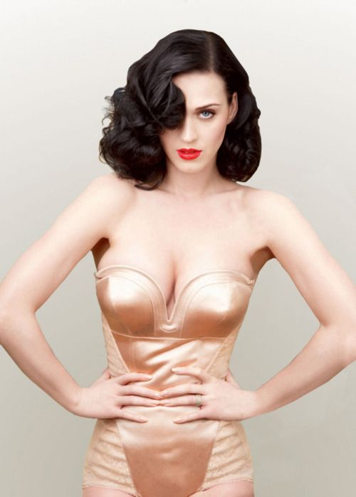 Katy Perry • Annie Leibovitz • Vanity Fair, June 2011 (Cover Image,