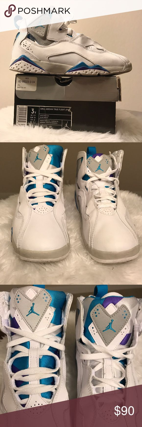 💜 Jordan True Flight 💙 Air Jordan True Flight White/Neo Turquoise 🚺 Youth Size 3 / Great condition! Used twice & have been stored for years. Hard to find! Jordan Shoes