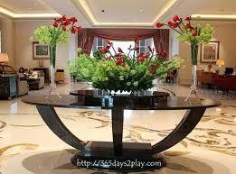 Resultado de imagen para lobby flower arrangements