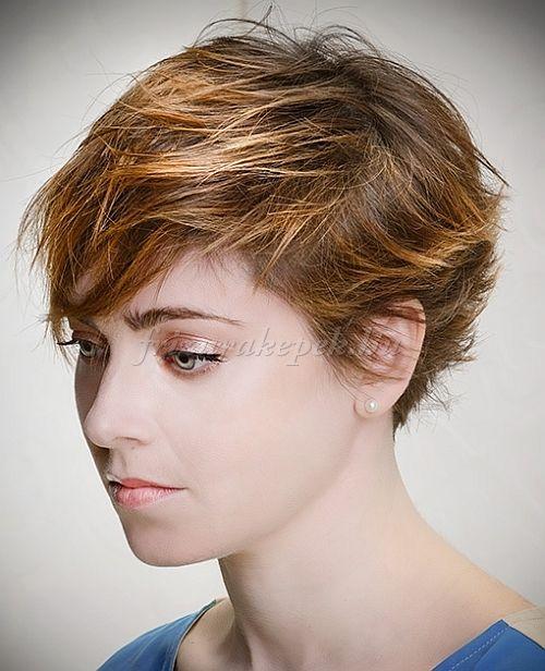 pixie frizurák - kócos pixie frizura