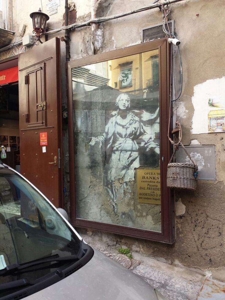 madonna con la pistola Banksy