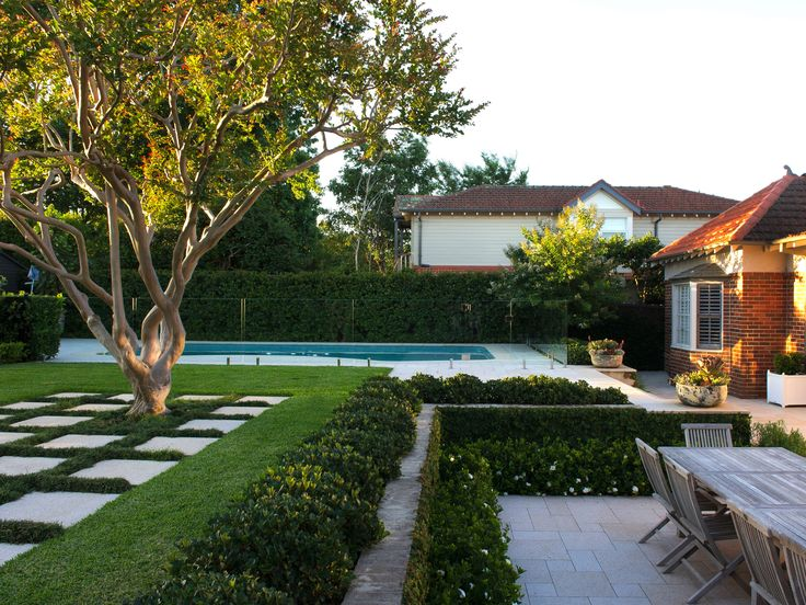 The brief for the garden and pool re-design was two fold; creating privacy from surrounding neighbors was critical as well as working with two existing key features in the garden: the original swimming pool and a beautiful, well established crepe …