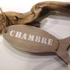 """Déco marine. poisson """"plaque de porte"""" en bois et chanvre naturel. finition taupe"""