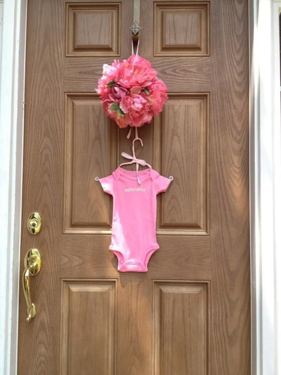 cute door display for baby shower Check out the website to see more