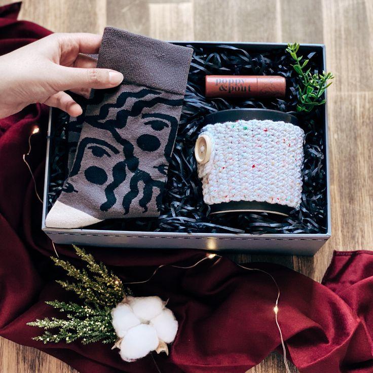 Winter Gift Box New Year Gift Box هدية شتوية In 2021 Winter Gift Gifts New Year Gifts