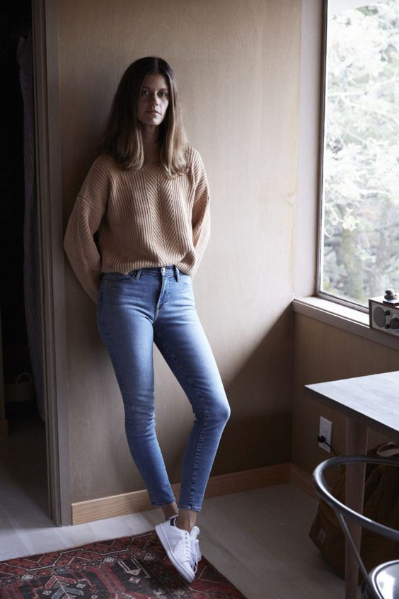 Street style   Neutral sweater, skinny jeans and Adidas Stan Smith sneakers