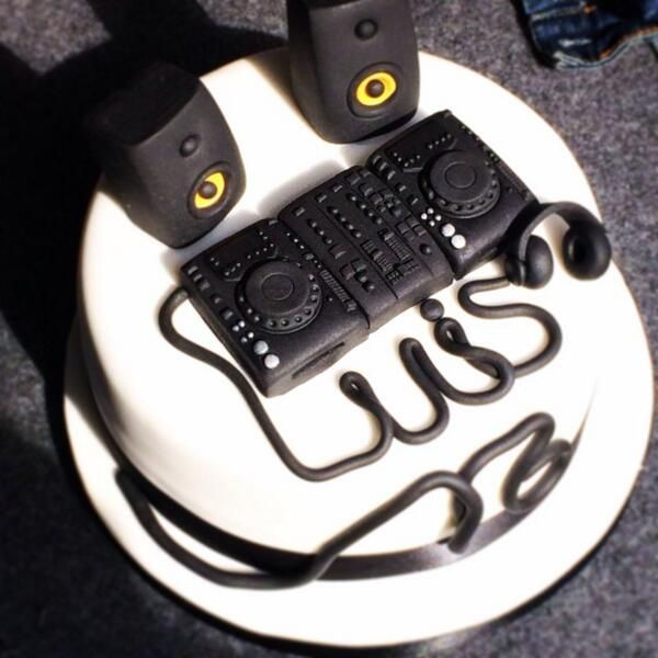 DJ Cake!!