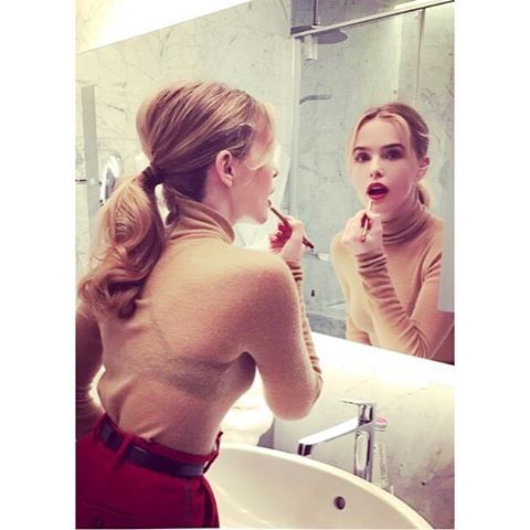 """19.8k Likes, 46 Comments - Zoey Deutch (@zoeydeutch) on Instagram: """"In Milano (and not posing for this photo AT ALL)."""""""