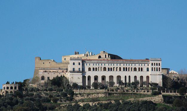 Castel Sant'Elmo è un castello medievale, oggi adibito a museo, sito sulla collina del Vomero, a Napoli. Un tempo era denominato Paturcium e sorge nel luogo dove vi era, a partire dal X secolo, una chiesa dedicata a Sant'Erasmo (da cui Eramo, Ermo e poi Elmo).