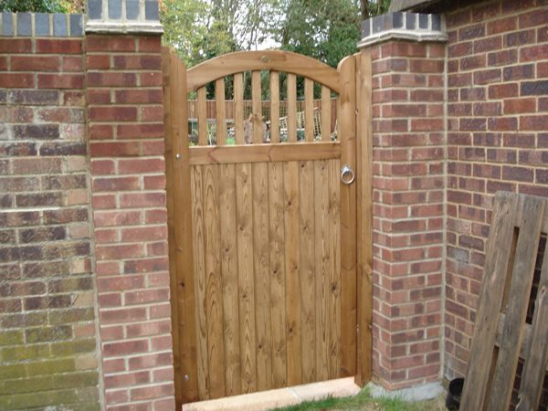 Best 25 wooden gates ideas on pinterest for Garden gate designs wood