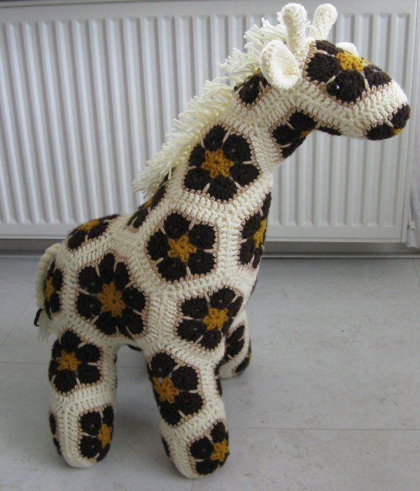 Homemade Crochet African Flower Giraffe Free Pattern - Crochet Craft, Crochet Animal, Crochet Giraffe