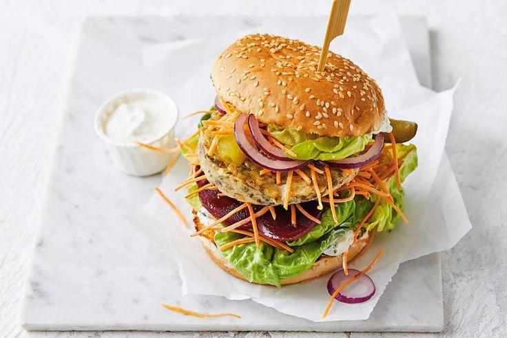 Burger-time! Vandaag op het menu: een burger van groene asperge en linzen. - recept - Allerhande
