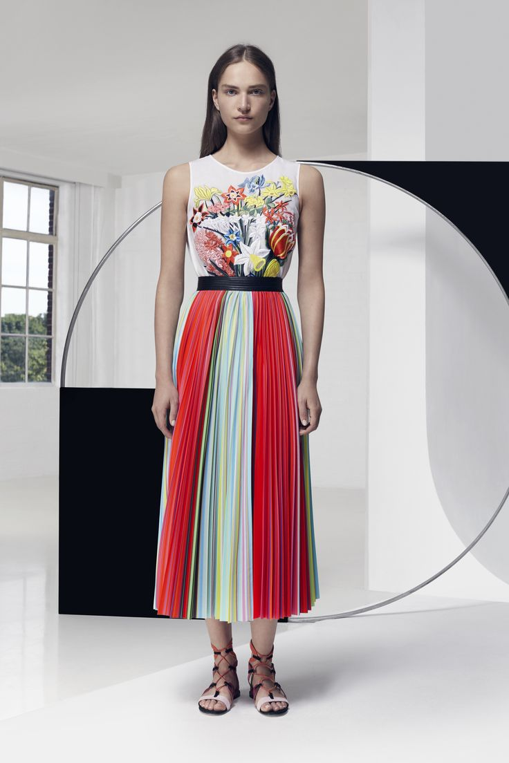 Look 3. Sepack Top & Uni Skirt