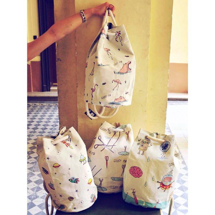 Bucket bags on the bucket list 🚀 #smallscale #print #backpack #newcollection #summer2016 #szputnyik #szputnyikshop #budapest #hippo #flamingo #spaceship #rocket #scissors #weird #design