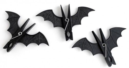 Bat Clothespins!  No instructions here, but I bet you could figure out how to make these...
