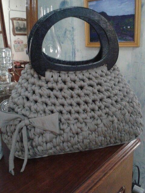 Este es un gran bolso de trapillo ideal para el otoño